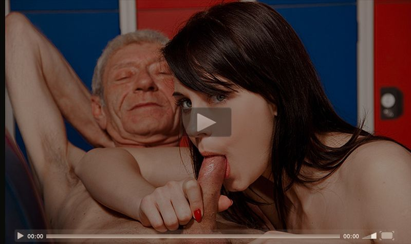 Quickie blowjob ends with awesome facial 5